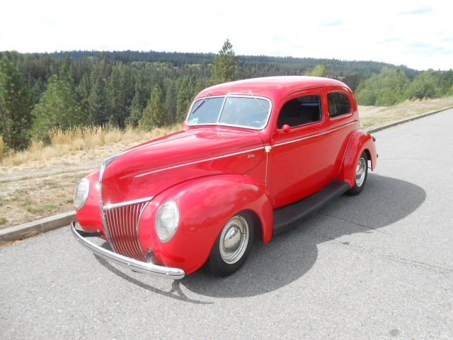1939 Ford Deluxe 2 Door Steel Body Street Rod AC Mustang II Disc Brakes Tilt