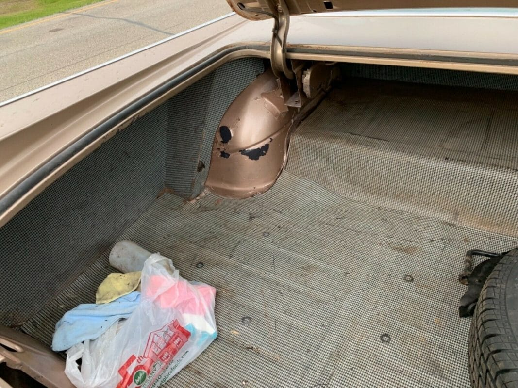 1959 Pontiac Catalina trunk
