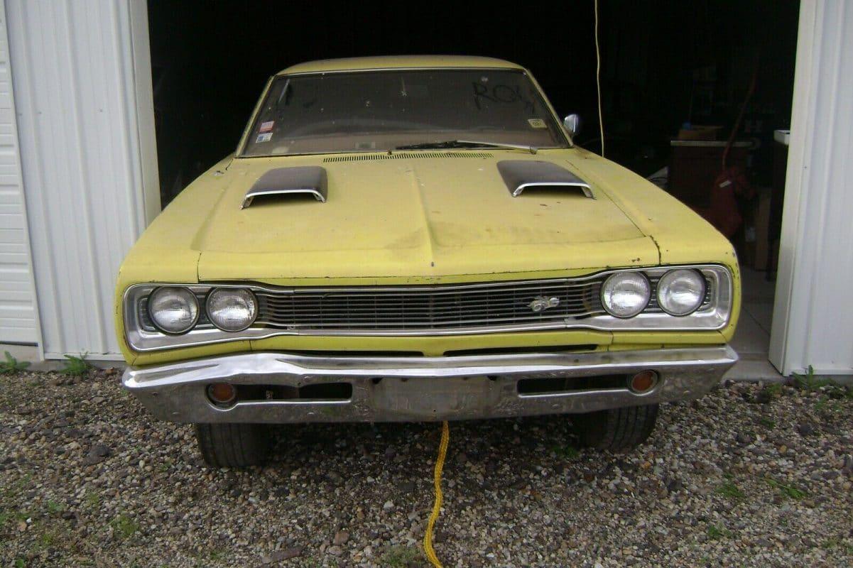 1969 Dodge Super Bee front